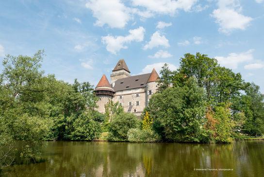 Moated castle in Heindenreichstein